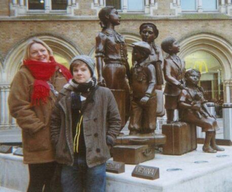 Picture of Louise and Joe Robinson at Liverpool Street Station, at the start of their tour