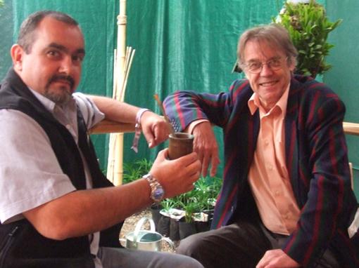 Photograph of Alberto Yanosky with John Burton in London 2010. © WLT.