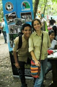 Photograph of young people at Pro-Bosque's eco festival. © Pro-Bosque.