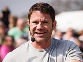 Steve Backshall at a public event at Longleat.