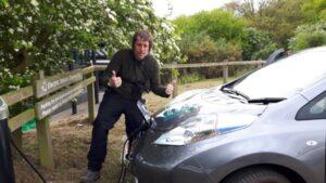 Dan Bradbury & Nissan Leaf