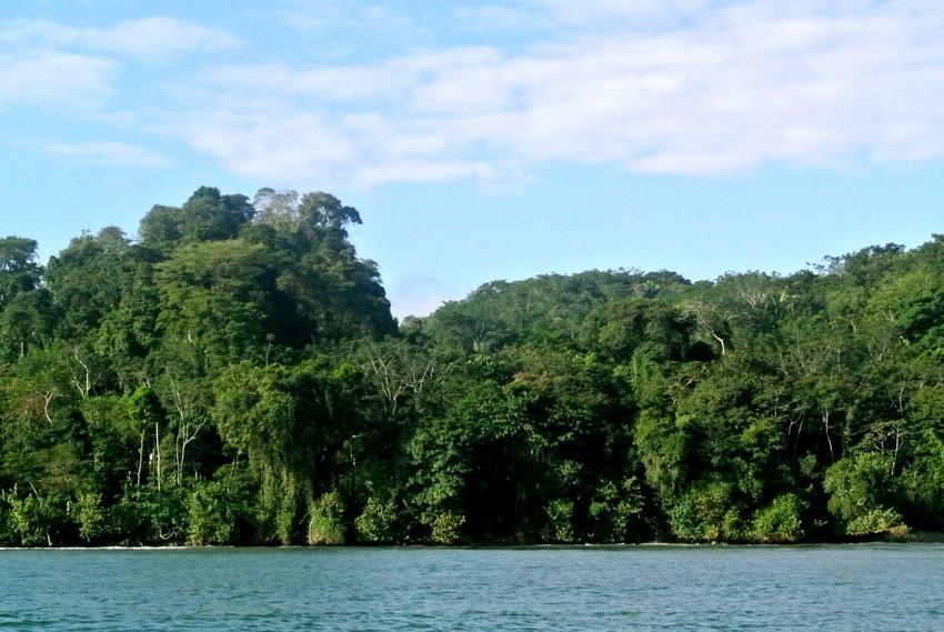 Laguna Grande Sarstún Reserve