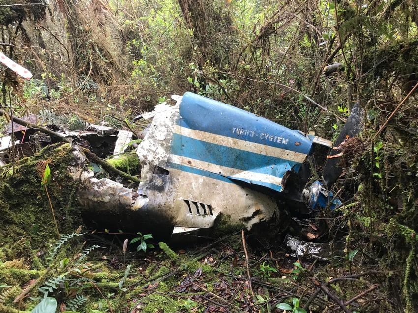 Wreckage of airplane ©Kelsey Huisman