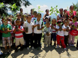 Reforestation education programme at Sierra Gorda Biosphere Reserve. ©Phoebe Park